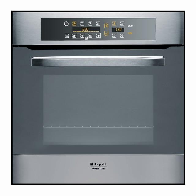 Photo Four Hotpoint Ariston Pyrolyse Multifonction FH103PHAIX